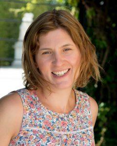 Book specialist newborn and baby photographer Victoria